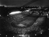 Night Time Crowd Filling Soldier&#39;s Field