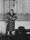 "Jackie Gleason  Warming Up the Audience before the TV Show ""The Honeymooners"""