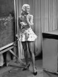 TV Chorus Girl Roxanne Rosedale