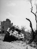 Mountain Regiment-US Army in Italy: Destroyed German Tank