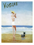 Vogue Cover - July 1937 - Beach Walk Reproduction d'art par Eduardo Garcia Benito