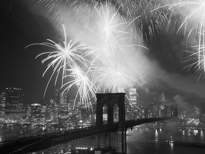 Fireworks over the Brooklyn Bridge Stretched Canvas Print