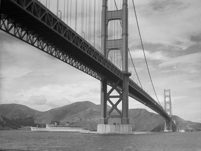 View of Golden Gate Bridge Stretched Canvas Print