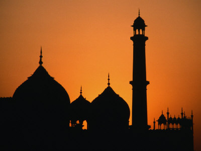 http://cache2.artprintimages.com/p/LRG/20/2098/3UP2D00Z/art-print/richard-ianson-the-jama-masjid-in-old-delhi-the-largest-mosque-in-india-built-by-shah-jahan-delhi-india.jpg