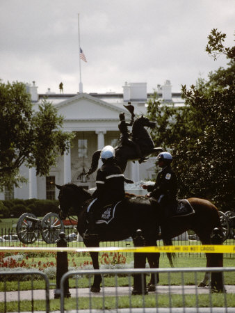 24 Hours after the 9/11 Attacks the White House is on Security Alert Stretched Canvas Print
