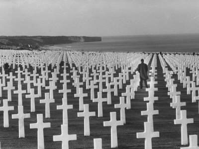 US Army Cemetery at Omaha Beach Stretched Canvas Print