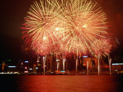 pershouse-craig-fireworks-display-over-victoria-harbour-for-chinese-new-year-hong-kong.jpg