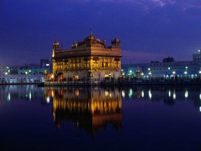 golden temple. The Golden Temple, Illuminated