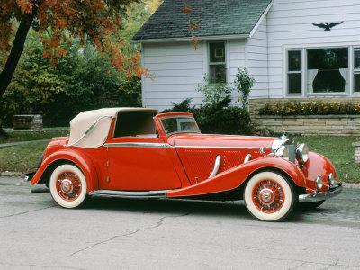 1936 Mercedes Benz 500K Sedanca Drophead Stretched Canvas Print
