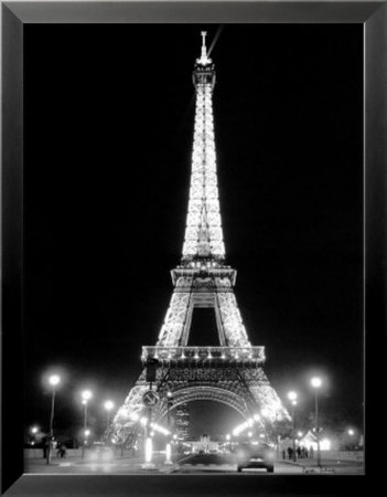 Nighttime Eiffel Tower Pictures on Eiffel Tower Pictures At Night
