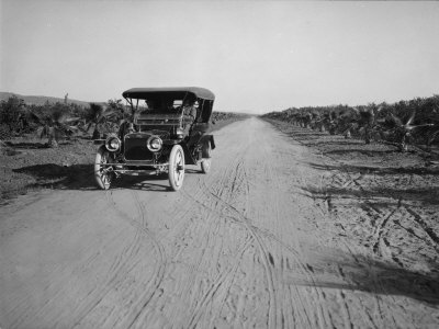 California Citrus Heritage Recording Project, Dufferin Avenue and Vehicle, Riverside County, 1930 Stretched Canvas Print