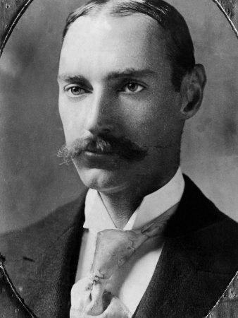 JJ Astor/famille Vanderbilt John-jacob-astor-iv-millionaire-businessman-and-inventor-was-killed-in-rms-titanic-disaster-1910