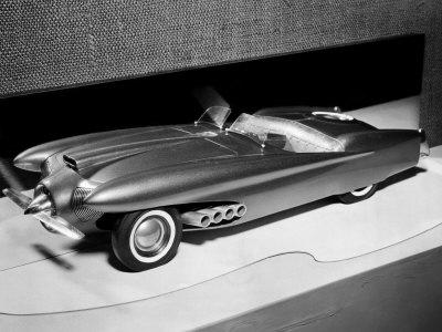 http://cache2.artprintimages.com/p/LRG/37/3730/URQAF00Z/art-print/clay-model-of-a-ford-dream-car-1952.jpg