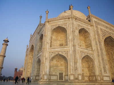 Low Angle View of Taj Mahal at Dawn Stretched Canvas Print