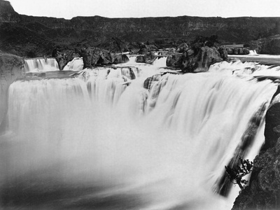 Snake River Thunders Over Shoshone Falls Stretched Canvas Print