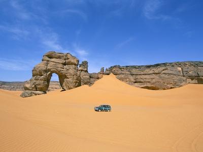 Afzgar Arch, Akakus, Sahara Desert, Fezzan, Libya, North Africa, Africa Stretched Canvas Print