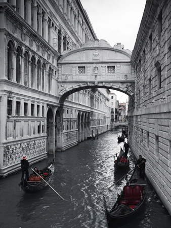 Bridge of Sighs, Doge's Palace, Venice, Italy Stretched Canvas Print