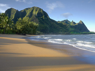 Haena Beach on Kauai, Hawaii, USA Is a Classic Vision of Paradise Stretched Canvas Print