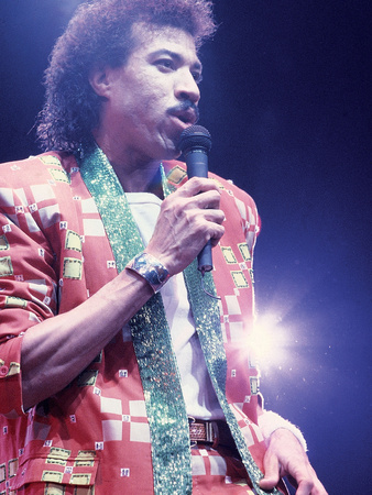 Lionel Richie, Performing, 1987 Stretched Canvas Print