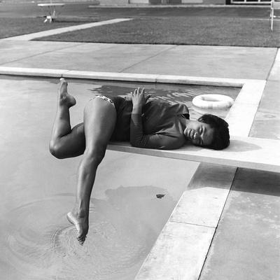 Eartha Kitt - 1959 Stretched Canvas Print