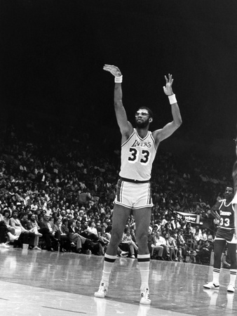 Kareem Abdul-Jabbar - 1986 Stretched Canvas Print