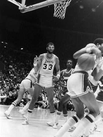 Kareem Abdul-Jabbar -  1982 Stretched Canvas Print