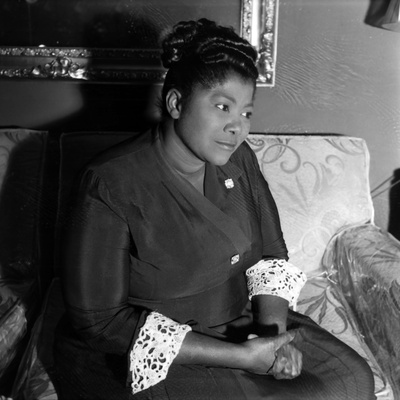Mahalia Jackson - 1960 Stretched Canvas Print