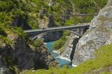 State Highway 6 Bridge and Historic Bridge  over Kawarau River  New Zealand