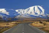 Road Near Oturehua and Hawkdun Range  Maniototo  Central Otago  South Island  New Zealand