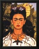 Portrait with Necklace Reproduction encadrée par Frida Kahlo