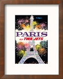 Paris, France - Fly TWA Jets - Trans World Airlines - Fireworks at Eiffel Tower Reproduction encadrée par David Klein