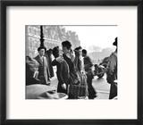 Le Baiser de l'Hotel de Ville, Paris, 1950 Reproduction encadrée par Robert Doisneau