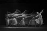 Waves of Balerina Tableau sur toile par Antonyus Bunjamin