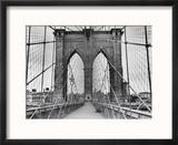 Pedestrian Walkway on the Brooklyn Bridge Reproduction encadrée par Bettmann