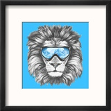 Portrait of Lion with Ski Goggles. Hand Drawn Illustration. Reproduction encadrée par Victoria_novak