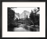 Yosemite National Park, Valley Floor and Half Dome Photograph - Yosemite, CA Reproduction encadrée par Lantern Press