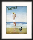 Vogue Cover - July 1937 - Beach Walk Reproduction encadrée par Eduardo Garcia Benito