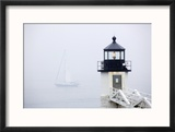 A Sailboat Passing Marshall Point Lighthouse in Port Clyde, Maine Reproduction encadrée par John Burcham