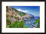 Travel In Italy Series - View Of Beautiful Amalfi Reproduction encadrée par Maugli-l