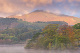 Autumn Foliage on the Banks of Derwentwater at Dawn  Lake District  Cumbria  England
