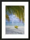 Kayak on White Sand Beach  Southwater Cay  Stann Creek  Belize