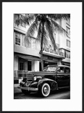 Classic Antique Car of Art Deco District - Park Central Hotel on Ocean Drive - Miami Beach