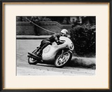 Bob Mcintyre on a Honda  Racing in the Isle of Man Junior Tt  1961