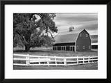 USA  Washington Barn and Wooden Fence on Farm