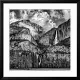 USA  California  Yosemite National Park  Upper and Lower Yosemite Falls at Sunrise