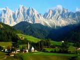 Santa Maddalena/Sankta Magdalena and Dolomites Range  Funes  South Tyrol  Italy