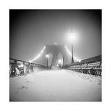 Bridge and Blizzard Reproduction d'art par Evan Morris Cohen