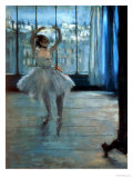 Dancer in Front of a Window (Dancer at the Photographer's Studio) circa 1874-77 Giclée par Edgar Degas