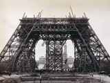 Eiffel Tower During Construction Papier Photo par Bettmann