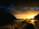 Sunrise Over Lake Manapouri  Fiordland National Park  Southland  New Zealand